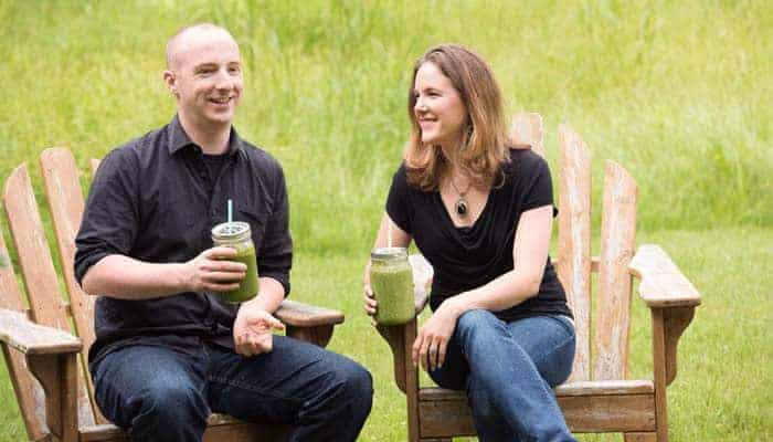 Davy & Tracy Enjoying Green Smoothies