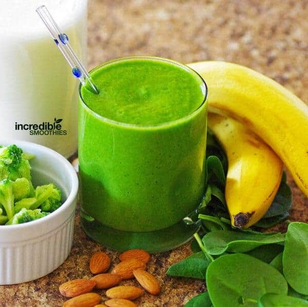 Pineapple-Broccoli-Green-Smoothie-Recipe