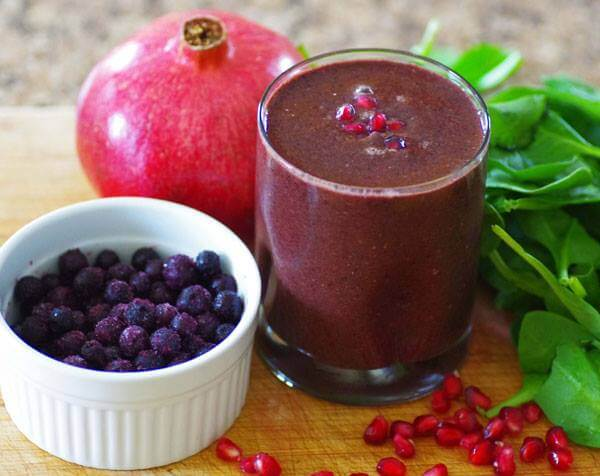 Antioxidant Blast Green Smoothie with Pomegranate